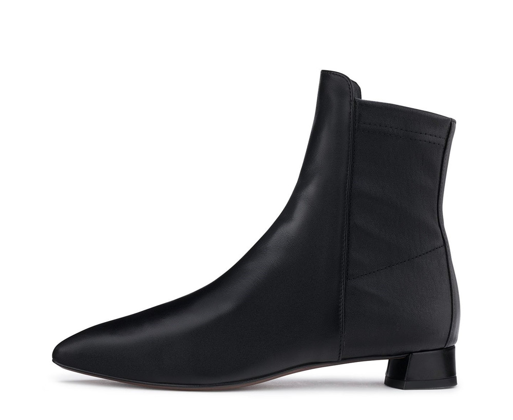תמונה של נעליי בראל שחורות