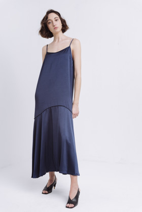 תמונה של DOTTIE DRESS NAVY